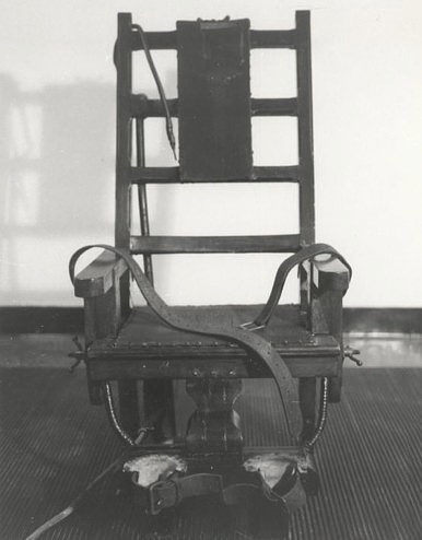 Hans Schmidt was convicted of first-degree murder and was executed by electric chair at Sing Sing Prison on February 18, 1916