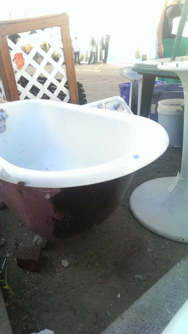 cast iron clawfoot bathtubs vintage tub bath it might not seem like it but it was a steal