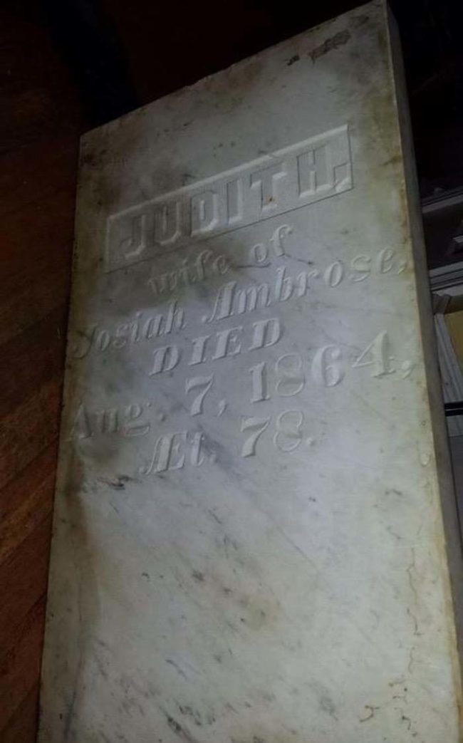 Talk about a grave discovery...hopefully this wasn't stolen.