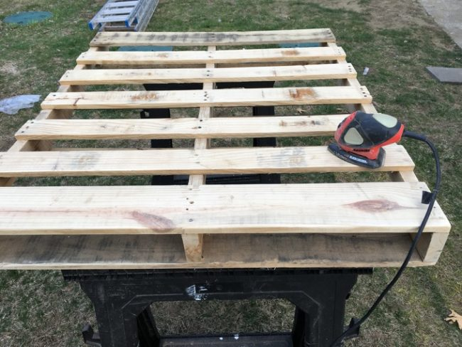 """He still needed a top pallet! This one was made from other pallets -- <a href=""""https://www.reddit.com/user/bluepied"""" class=""""author may-blank id-t2_b0em3"""" target=""""_blank"""">bluepied</a> didn't want any warping in the wood."""