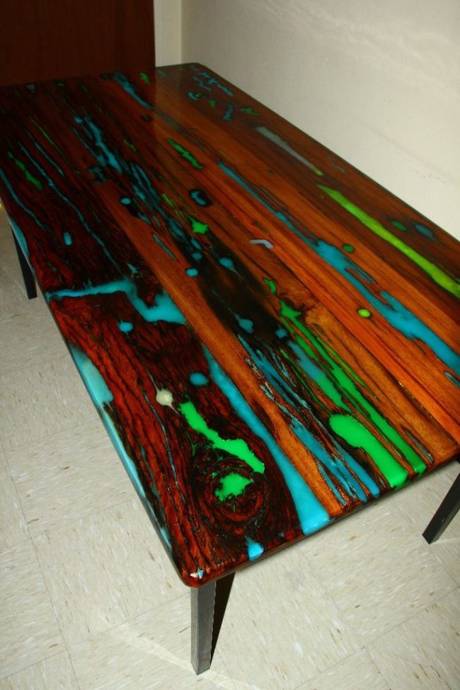 """This <a href=""""http://www.instructables.com/member/balanicaflorin"""" target=""""_blank"""">unique kitchen table</a> uses two different colored glowing resins."""