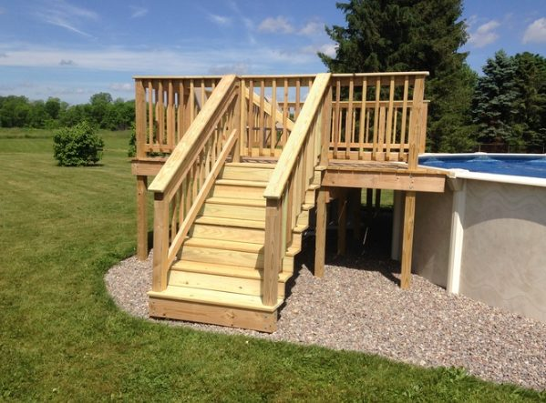 After months of hard work, he and his family were left with this gorgeous deck!