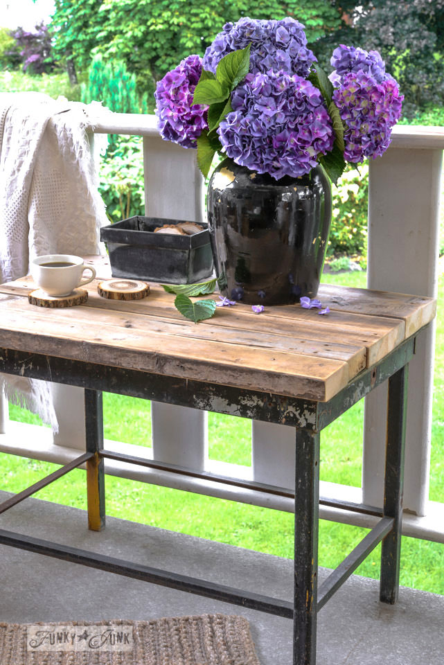 "This <a target=""_blank"" href=""www.funkyjunkinteriors.net/2014/06/instant-chunky-2x4-tabletop-with-firewood-coasters.html"">rustic table</a> is perfect as patio furniture."