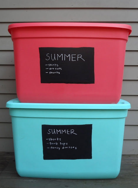 "I've always just stored my seasonal clothes in trash bags but <a href=""http://www.hardlyhousewives.com/2012/10/chalkboard-labels-for-storing-seasonal.html"" target=""_blank"">this</a> is so much better!"