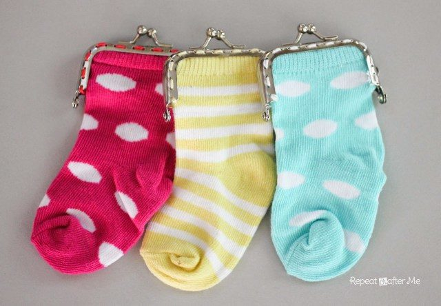 "Carry your money in style with a little <a href=""http://www.repeatcrafterme.com/2014/07/baby-sock-coin-purse.html"" target=""_blank"">change purse</a>."