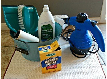 "Using baking soda, dish soap, and a few other items around the house, you can quickly <a href=""http://askannamoseley.com/2014/07/how-to-clean-a-car-seat/"" target=""_blank"">clean your child's carseat</a>."