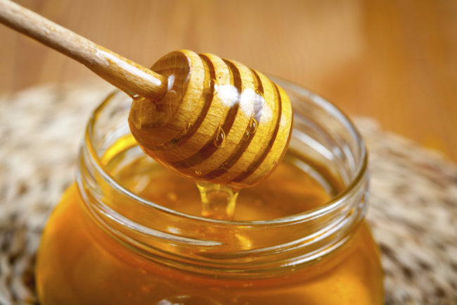 "Honey does wonders for <a target=""_blank"" href=""http://homeremediesforlife.com/honey-for-sore-throat/"">sore throats</a> -- it kills bacteria, soothes your throat, and helps reduce inflammation."