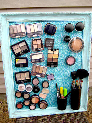 "Keep all your makeup in one spot and find what you're looking for easily with a <a target=""_blank"" href=""http://alliegrace.tumblr.com/post/21620909843"">magnetic board</a>!"