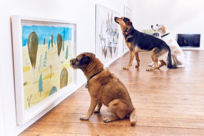 Take that, seasoned gallery-goers! They're just as focused as you.