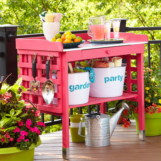 """<a href=""""http://www.bhg.com/home-improvement/porch/outdoor-rooms/diy-outdoor-projects/#page=2"""" target=""""_blank"""">This</a> bright bar can bring a pop of color to your backyard festivities."""