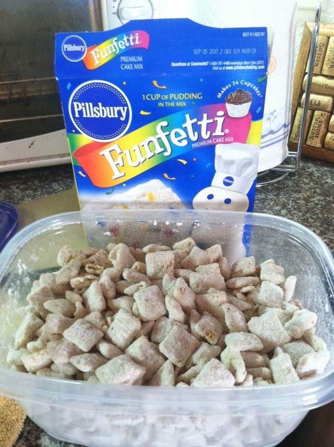 """<a href=""""http://unbearablygood.blogspot.com/2012/07/cake-batter-puppy-chow.html"""" target=""""_blank"""">Funfetti puppy chow</a> has Chex, cake mix, powdered sugar, and white chocolate chips...excuse me while I drool."""