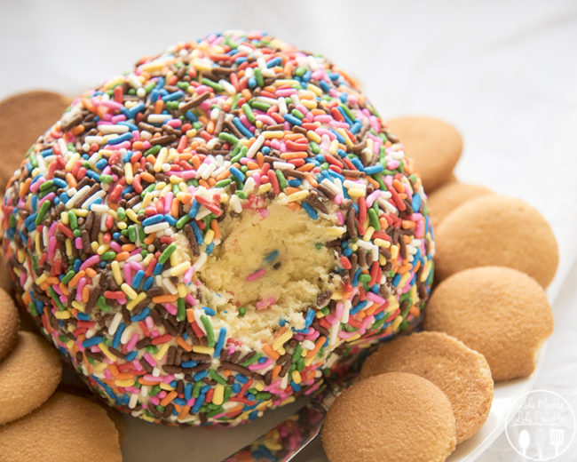 """I need this <a href=""""http://lmld.org/2015/11/11/cake-batter-cheese-ball/"""" target=""""_blank"""">cake batter """"cheese ball""""</a> in my life ASAP."""