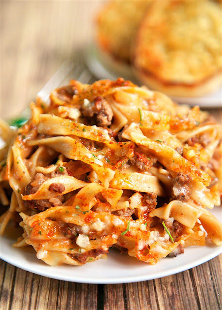 "This delicious <a href=""http://www.plainchicken.com/2016/08/amish-country-casserole.html"" target=""_blank"">Amish Country casserole</a> will leave you begging for seconds."