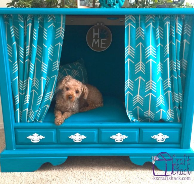 """Your dog will love you forever after you turn an old tv stand into a <a href=""""http://www.kscraftshack.com/tv-makeover-part-2-second-chances/"""" target=""""_blank"""">doggy bed</a>."""