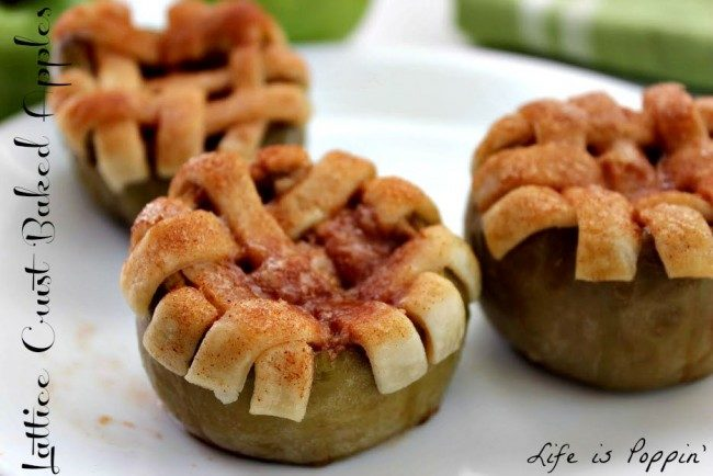 """How adorable are these <a target=""""_blank"""" href=""""http://lifeispoppin.com/lattice-crust-baked-apples/"""">crust baked apples</a>?"""
