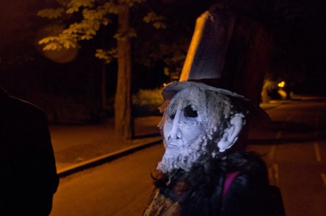 "Redditor <a target=""_blank"" href=""https://www.reddit.com/user/Down4whiteTrash"">Down4whiteTrash</a> was walking home when they ran into a person wearing this unsettling mask."