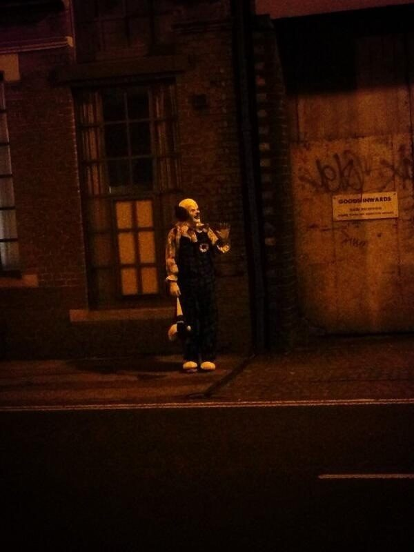 """This is the <a target=""""_blank"""" href=""""http://www.mirror.co.uk/news/weird-news/northampton-clown-goes-viral-creepy-2276792"""">Northampton Clown</a> that loves going around and terrorizing locals."""