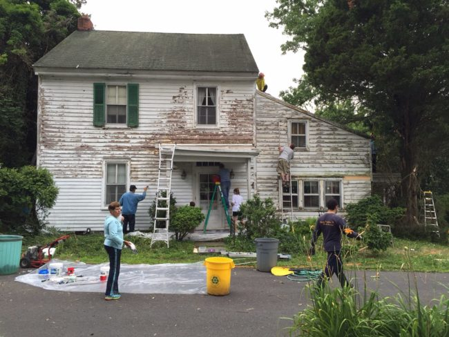 Led by Kristin Polhemus and her husband, a group of 25 neighbors repaired the house for free.