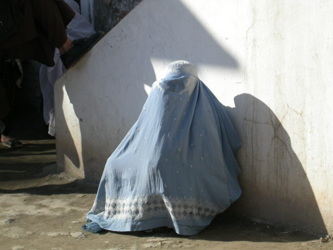 If you were to imagine what Afghan women wore in the past, you'd likely picture them wearing burqas.