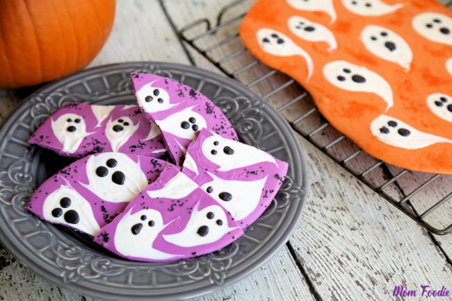 """There are only a few days left to make this <a href=""""http://blommi.com/halloween-ghost-chocolate-bark-diy-halloween-candy/"""" target=""""_blank"""">ghost bark</a>! Luckily, you only need three ingredients."""