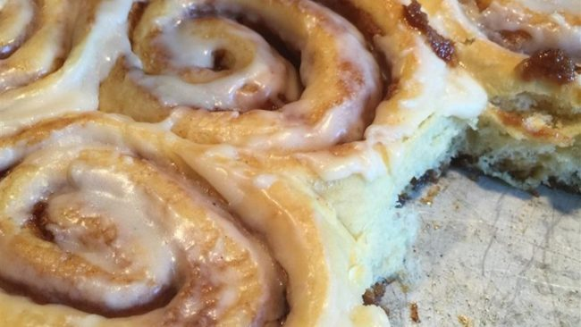 "There's nothing better than <a href=""http://sallysbakingaddiction.com/2015/12/21/easy-slow-cooker-cinnamon-rolls/"" target=""_blank"">cinnamon rolls</a>. Bonus, these are stuffed with cream cheese and prepared in a slow-cooker!"