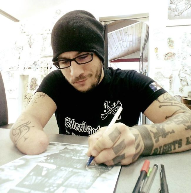 During a tattoo convention, he met fellow artist JL Gonzal.  Tenet wanted to find a way to use his remaining right arm to do his work, so Gonzal came up with an amazing idea.