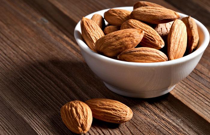 Almond-Scrub
